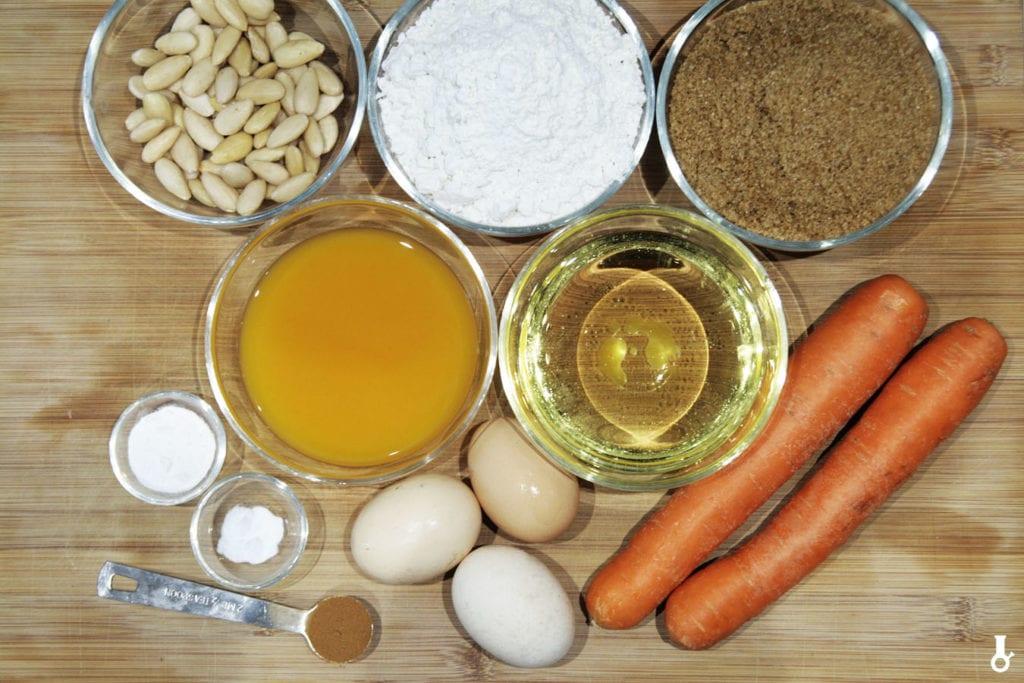 składniki na ciasto marchewkowe