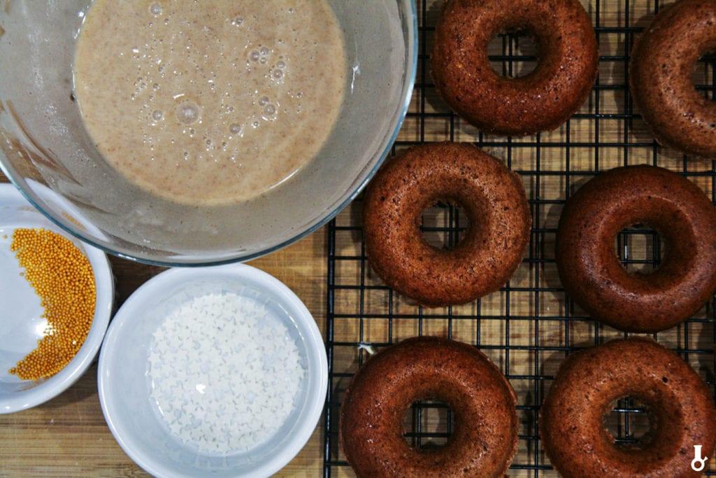 donuty piernikowe przed dekoracją