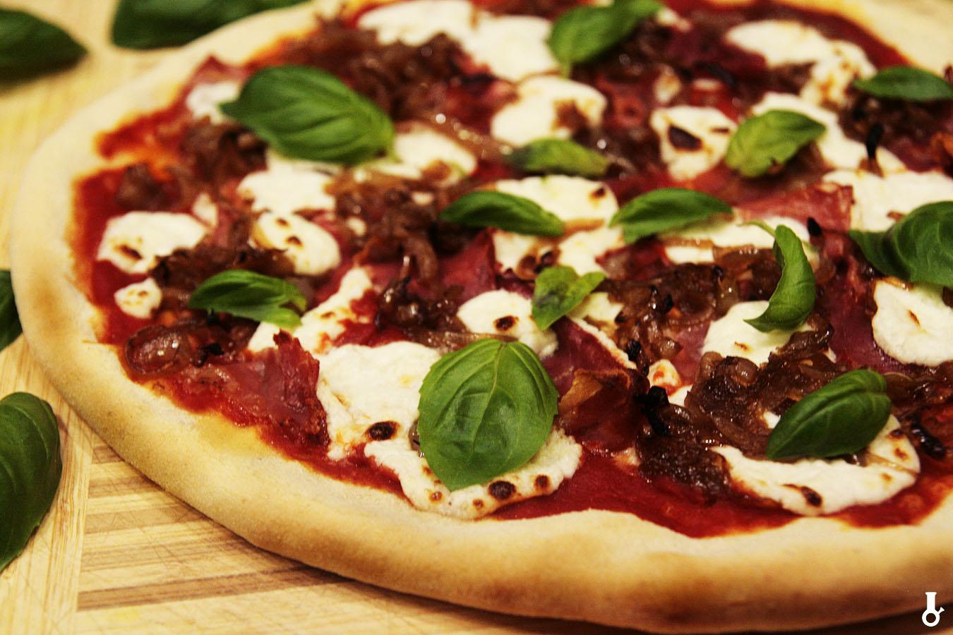 http://www.stonerchef.pl/wp-content/uploads/2017/11/pizza-parma-po-upieczeniu.jpg