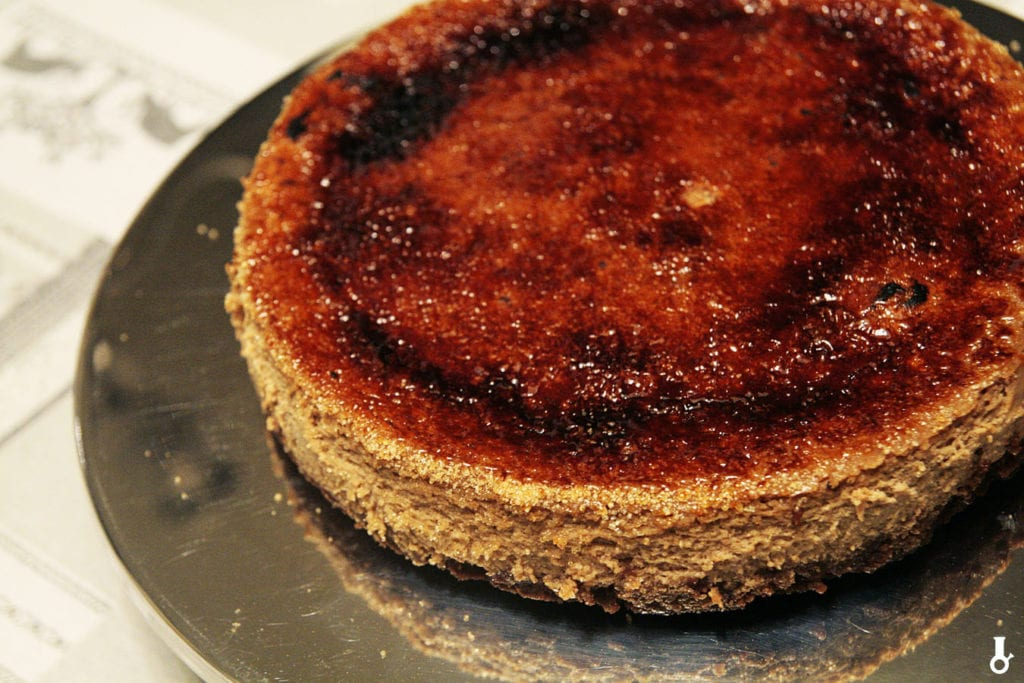 sernik piernikowy crème brûlée