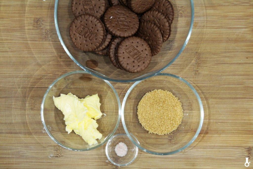 składniki na spód do piernikowego sernika crème brûlée