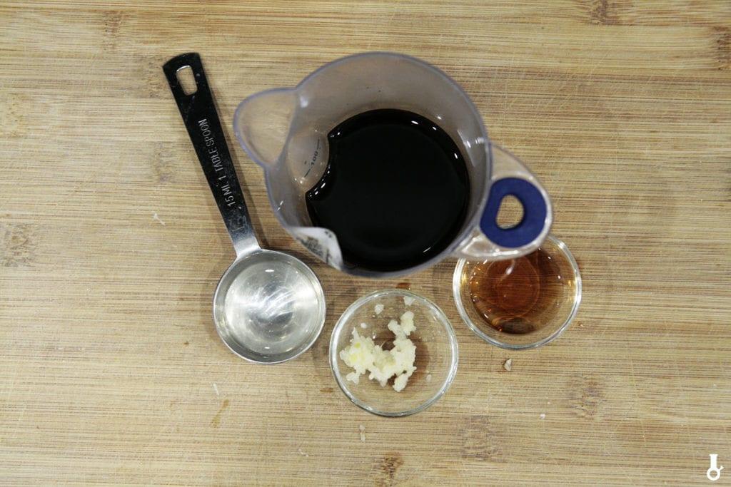 składniki na dip sojowy