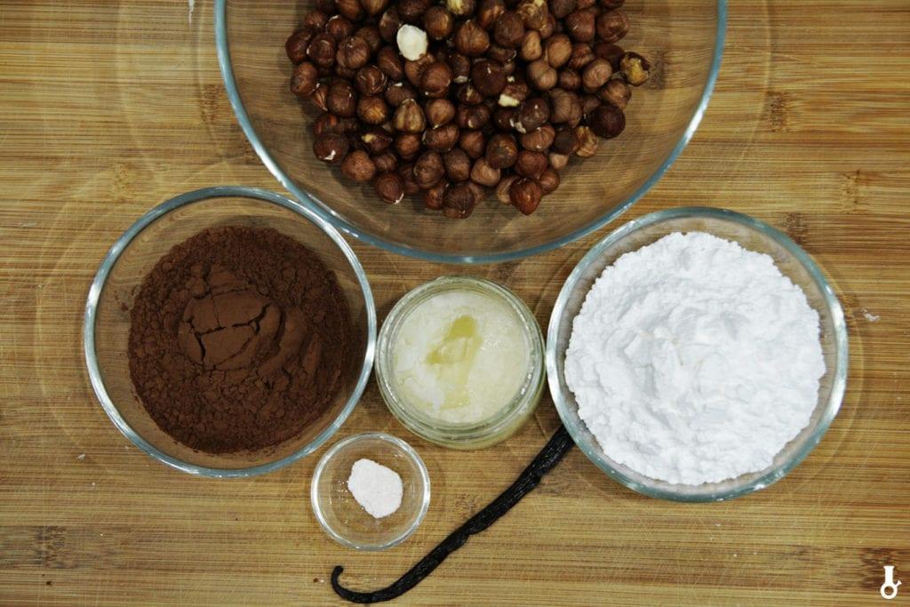 składniki na domową nutellę