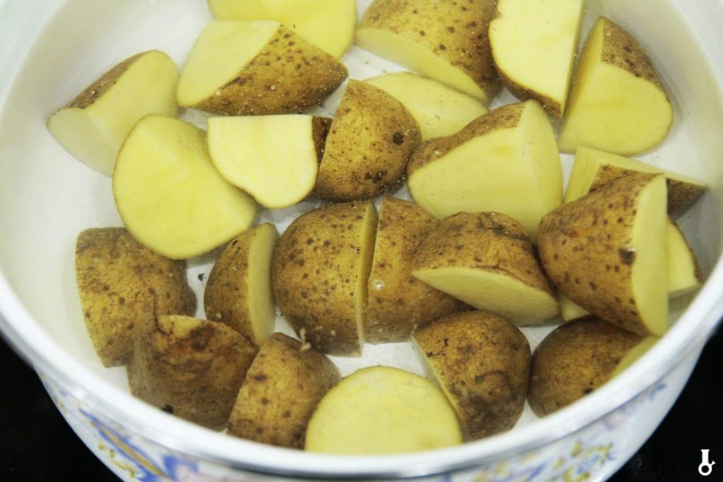 ziemniaki w wodzie