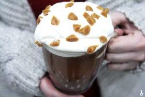 gorąca czekolada z solonym karmelem