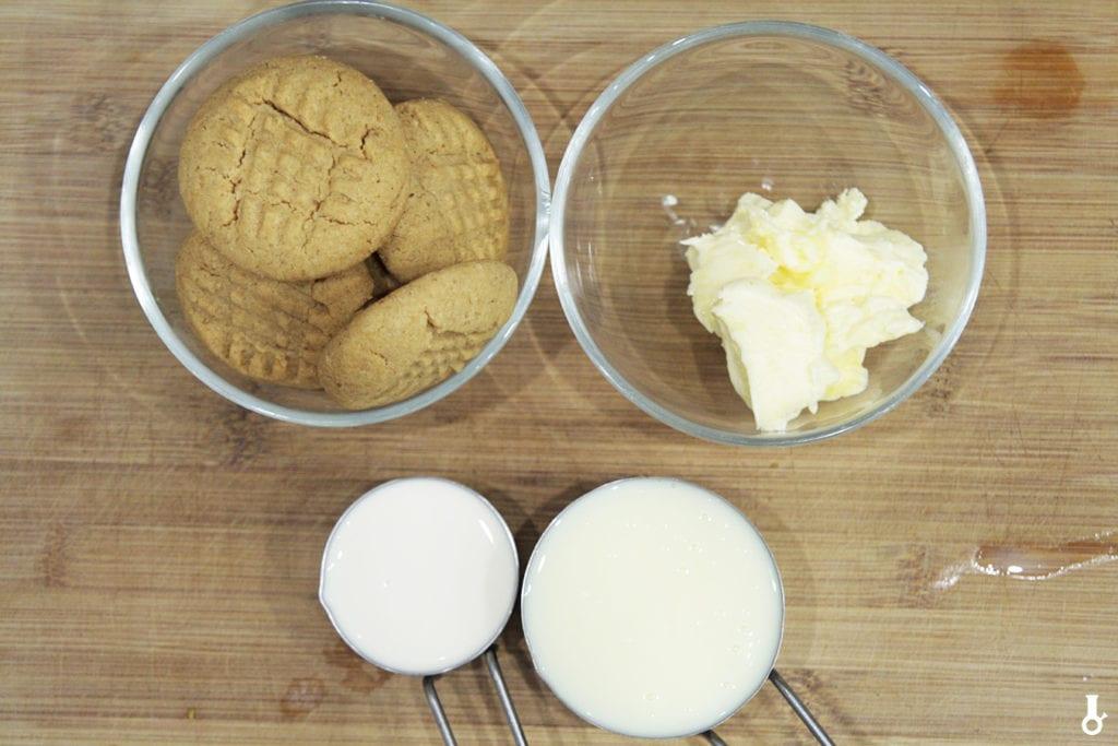 składniki na ciasteczkowy krem z masłem orzechowym