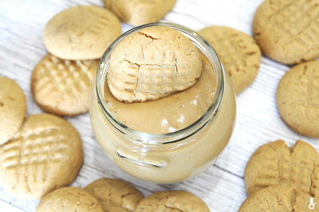 ciasteczkowy krem z masłem orzechowym