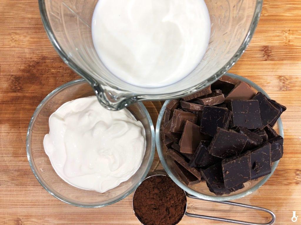 składniki na gorącą czekoladę