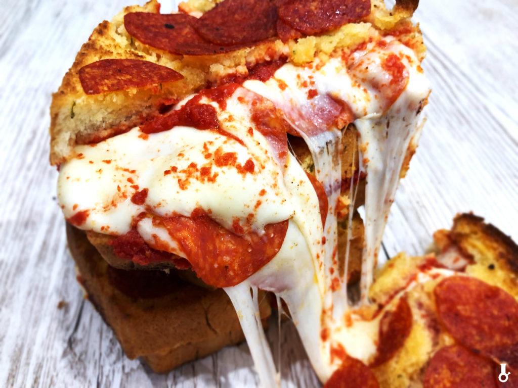 pizza tosty