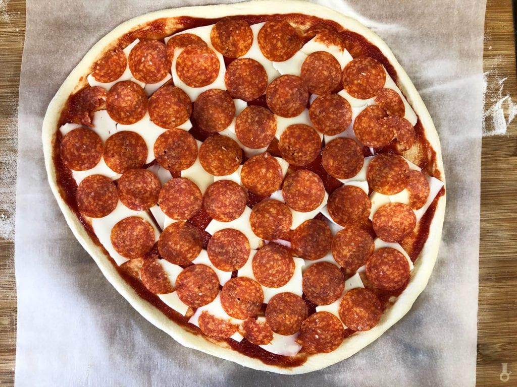 pepperoni na pizzy