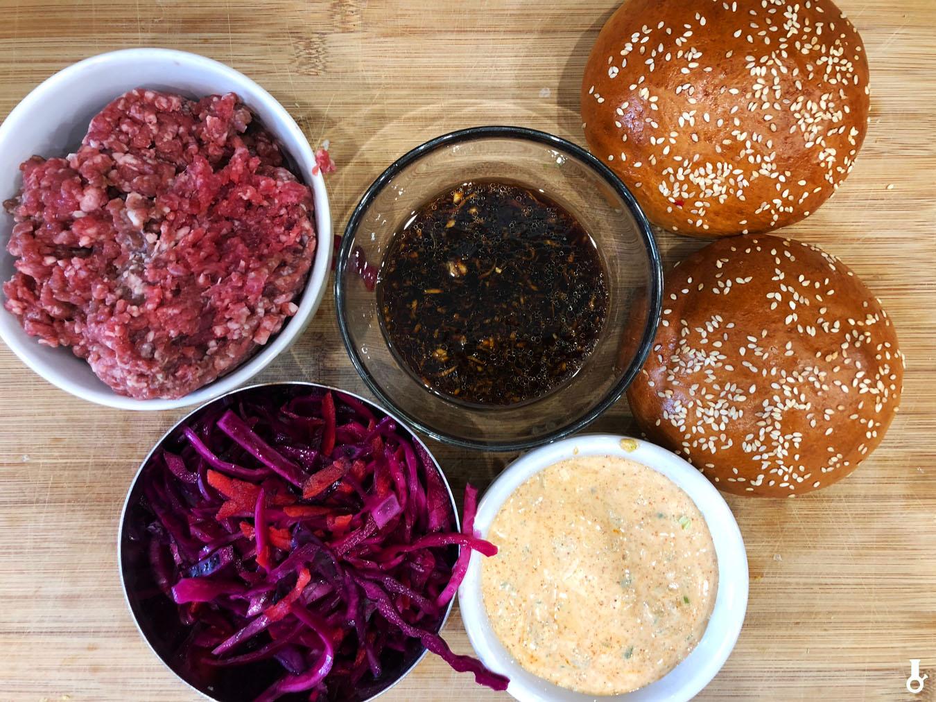 składniki na burgery bulgogi