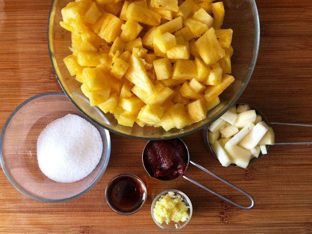 składniki na kimchi z ananasa