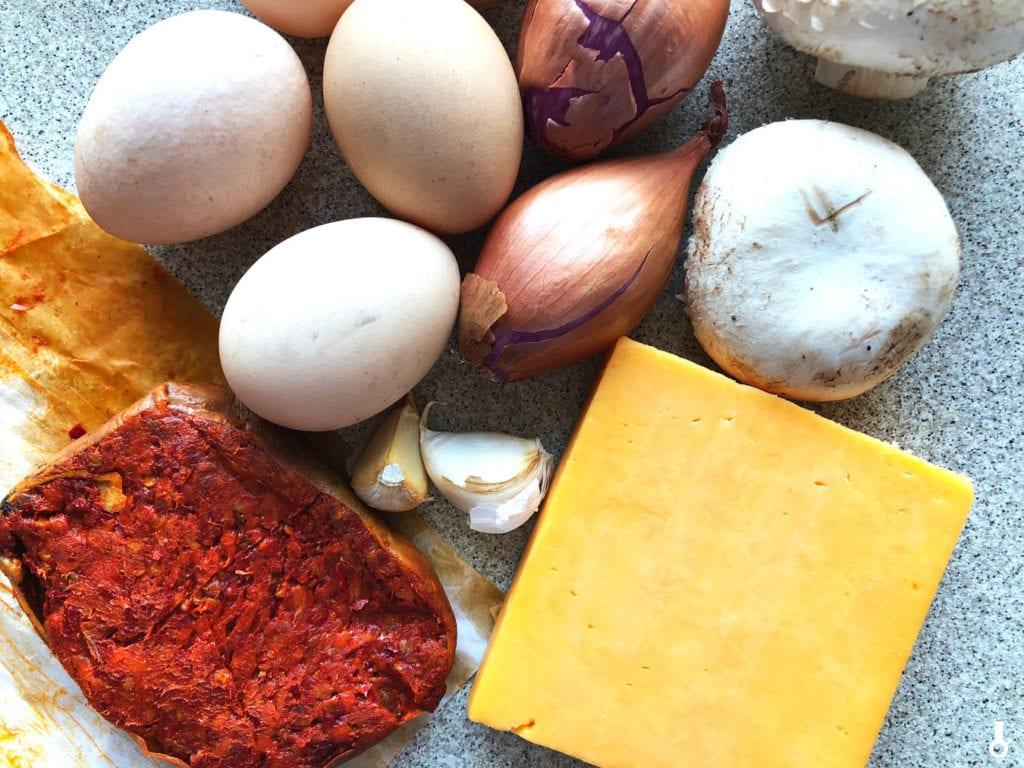składniki na jajecznicę z ndują