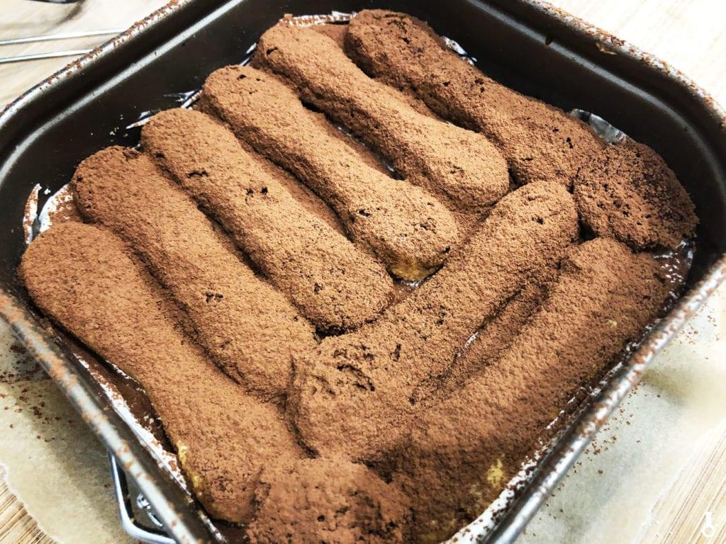 biszkopty zasypane kakao