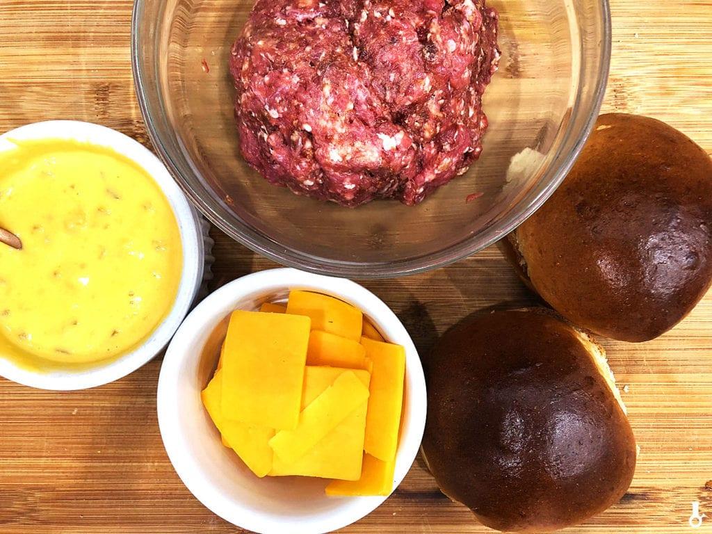 składniki na serowe burgery