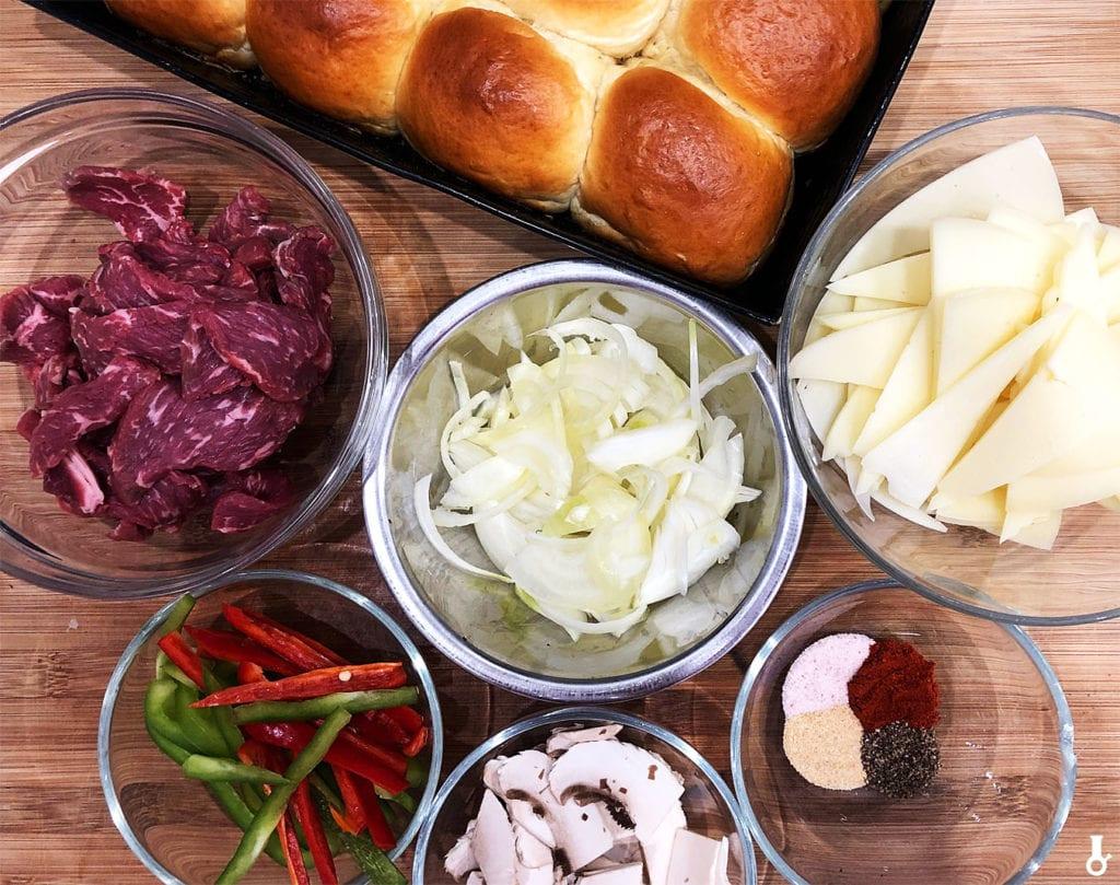 składniki na philly cheese steak slidery